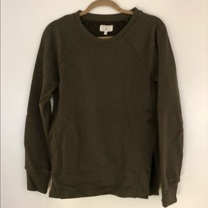 Lou & Grey comfy hunter green sweatshirt